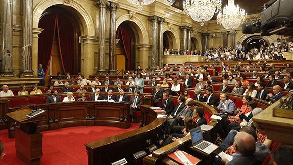 El Parlamento de Cataluña ha aprobado la ley con la que la mayoría independentista quiere dar legitimidad al anunciado referéndum del 1 de octubre. Foto: Albert Bertran/ elPeriódico.