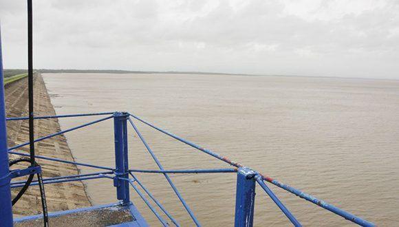 La presa Zaza después del paso del huracán Irma. Foto: Vicente Brito/ Escambray.