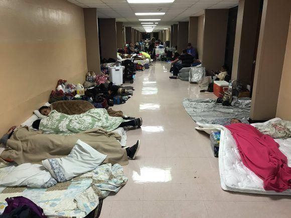 Los refugios de Florida, a tope/ Twitter: @desdemanhattan