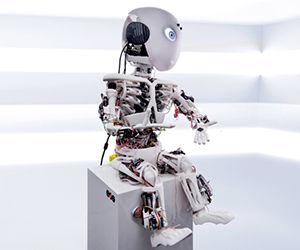 Roboy es el primer prototipo de humanoide robótico creado por los investigadores de la Universidad Técnica de Munich y el grupo suizo Robant Devanthro. Foto: 3Dnatives.