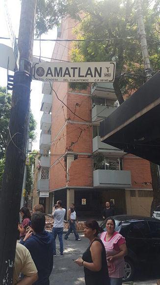 Edificio de la Colonia Condesa con severas afectaciones. Foto: @ElBigDataMx