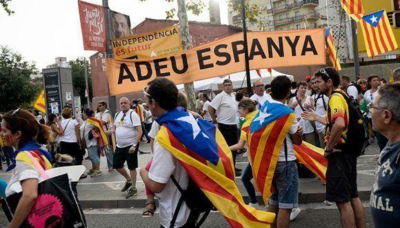 El pistoletazo de salida de la campaña por el sí, que dará inicio a dos semanas de tensión, tendrá por escenario la antigua plaza de toros de Tarragona. Foto: télam.