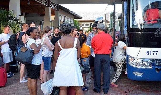 Turistas españolas en Varadero evacuados ante la llegada del huracán Irma. Foto ACN.