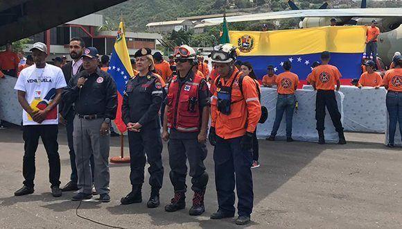 Partió de Venezuela a Dominica avión con ayuda humanitaria. Foto: @teleSURtv / Twitter