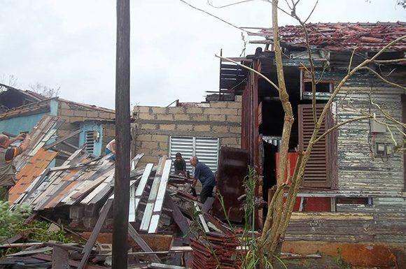 Otorgan créditos bancarios a damnificados de huracán en Cuba