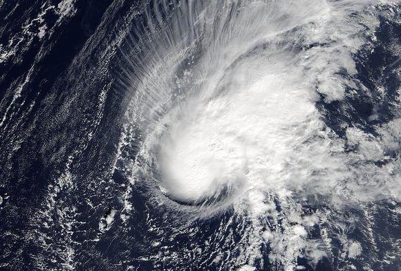 Zeta, el ciclón nombrado número 27 de la excepcional temporada de 2005. Imagen de MODIS Rapid Response Team, NASA.