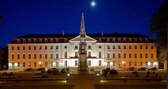 800px-rubenowplatz_greifswald