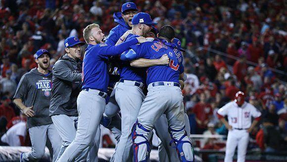 Los Cachorro de Chicago avanza a la semifinal de los play off del béisbol estadounidese. Foto: Chicago Tribune.