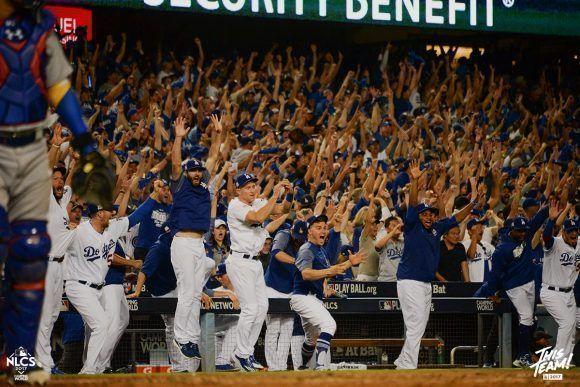 El público disfrutó de la victoria de su equipo. Foto: Jill Weisleder/Los Angeles Dodgers.