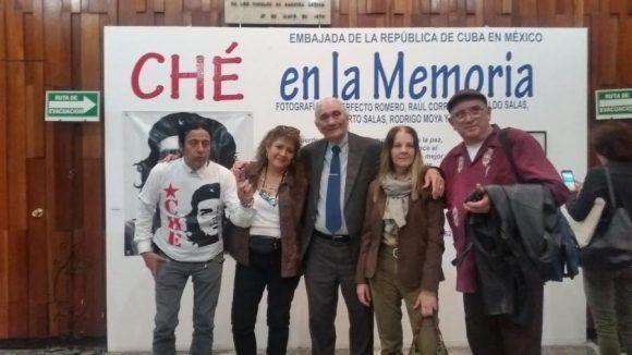 """La exposición de artes plásticas """"Che en la memoria"""" quedó abierta en la tarde de este jueves, 5 de octubre, en el Centro Cultural José Martí de la Ciudad de México."""