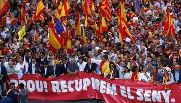 Cientos de miles de personas demostraron que una gran parte de Cataluña desea permanecer en España. Foto: Reuters.