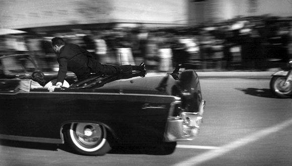 Trump abre acceso a archivos sobre asesinato de Kennedy