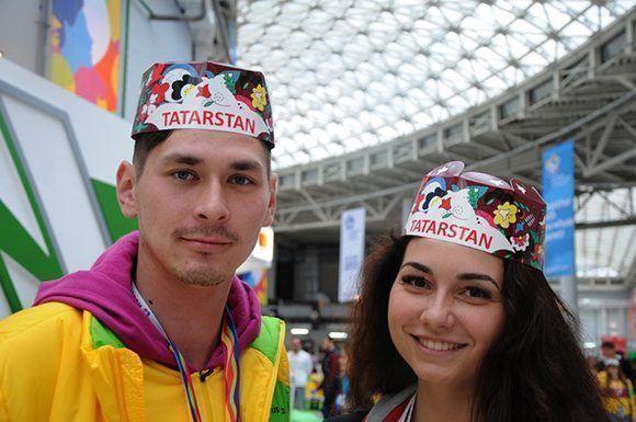 Rostros de un festival, delegación de Tatarstan. Foto: Luis Mario Rodríguez Suñol