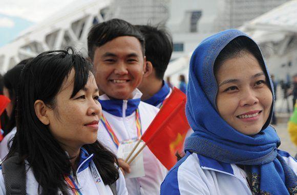 Rostros de un festival, delegación de Vietnam. Foto: Luis Mario Rodríguez Suñol