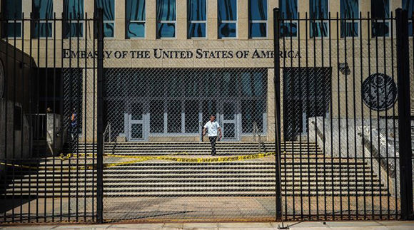 El gobierno cubano, respaldado por un comité de expertos nacionales, concluye que no hay evidencias de los ataques sónicos a los funcionarios estadounidenses en Cuba. Ciéntificos de ese país también lo reafirman. Foto: AFP.