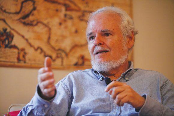 Luis Britto García. Foto tomada de Alba Ciudad.