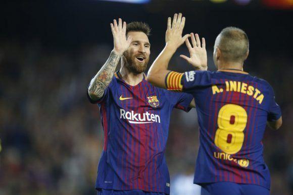 Messi e Iniesta celebran el segundo tanto de la noche. Foto: @FCBarcelona_es.