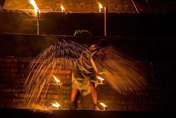 Obra Montañeses, puesta en escena en Teatro de los Elementos, Cumanayagua CIenfuegos, como parte del 17 Festival de Teatro de La Habana. Foto: Ismael Francisco/Cubadebate.