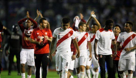 Perú, tras conseguir el empate ante Argentina en las eliminatorias sudamericanas. Foto: AFP.
