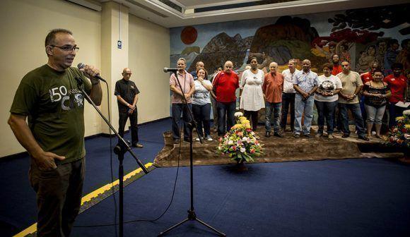 El Heroe de la republica Antonio Guerrero hablo en la inauguracion de la Simultanea de ajedrez en homenaje al Che, Hotel Habana Libre. Foto: Ismael Francisco.