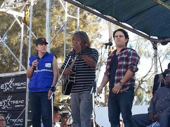 Gerardo Alfonso y Mauricio Figueiral en el acto. Foto: Cónsul de Cuba en Santa Cruz