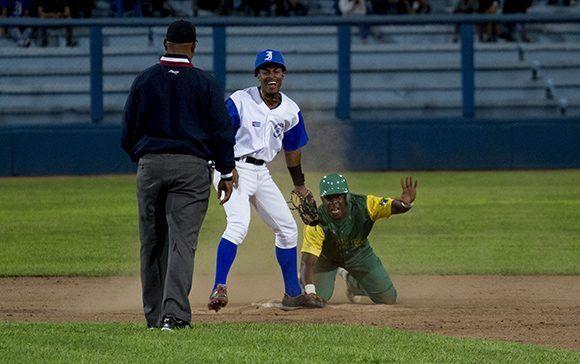 Yorbert pone out a León en segunda en discutida decisión. Foto: Jennifer Romero/ Cubadebate.