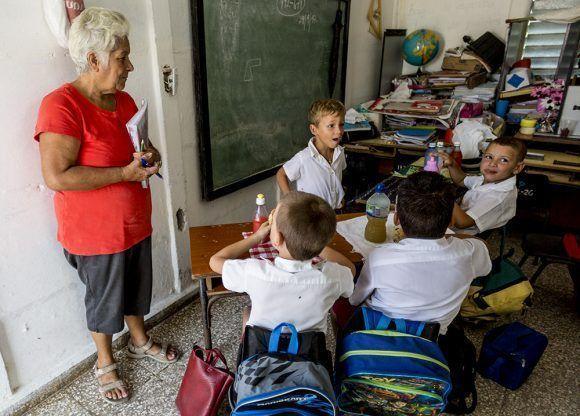 """Un aula de la Escuela Primaria """"Campaña de Las Villas"""". Foto: Irene érez/ Cubadebate."""
