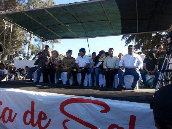 Evo y Ramiro Valdés presidieron la clausura de la jornada de salud en homenaje al Che. Foto: Consul Cuba