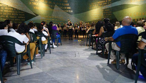 """La Colmenita llenó de canciones y aplausos la premiación del Concurso Nacional """"Abel entre nosotros"""". Foto: Leysi Rubio / Cubadebate"""