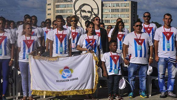 Acto de abanderamiiento a la Delegación cubana al XIX Festival Mundial de la Juventud y los Estudiantes, a celebrarse en la ciudad rusa de Sochi, realizado en el Memorial José Martí. Foto: Oriol de la Cruz / ACN