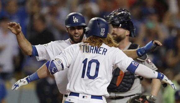 Dodgers vencieron 3-1 a los Astros en primer duelo de Serie Mundial. Foto: AP.