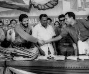Vista de un acto en la CTC al que el Che invitó a Dinh Noup, conocido en Vietnam como el Héroe de la Montaña. Foto: Marta Llanes/ Prensa Latina.
