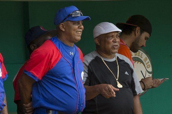 Dos glorias juntas, Rey Vicente Anglada y Alfonso Urquiola. Foto: Ismael Francisco/Cubadebate.