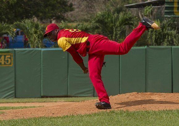 Yoenni Yera lanzador abridor por los occidentales. Foto: Ismael Francisco/Cubadebate.