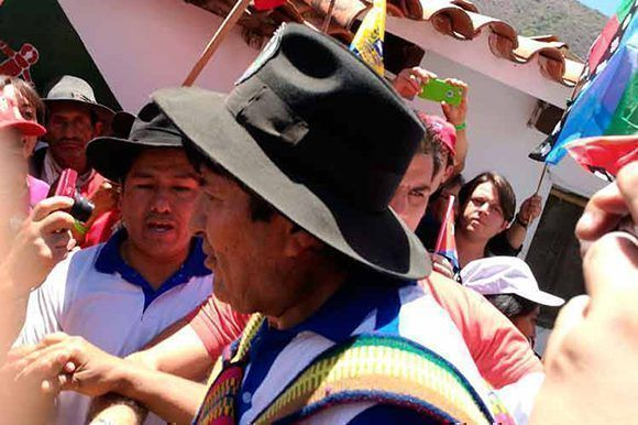 El presidente de Bolivia, Evo Morales, rindió tributo al Che en una caminata hasta La Higuera. Foto: PL.