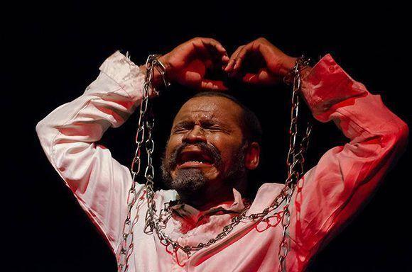 """Caballero se encargó de la dramaturgia y actuación de """"Le Chevalier..."""" Foto: Ismael Almeida/ Juventud Rebelde."""