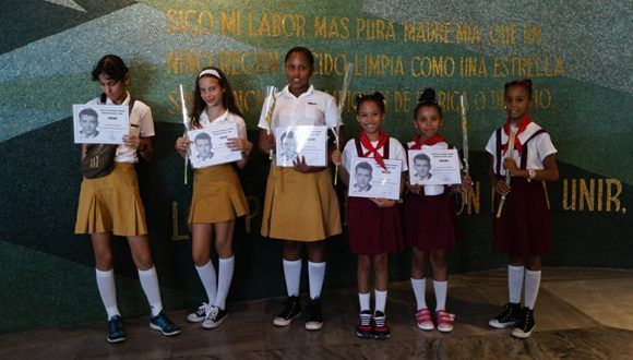 De izquierda a derecha, Daniela, Keirin, Cinthia, Liz y Vanessa. Foto: Leysi Rubio / Cubadebate