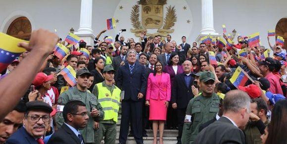 Gobernadores chavistas juramentan ante la Asamblea Constituyente. Foto: AVN.