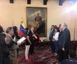 Gobernadores opositores asisten a juramentación ante la Constituyente.