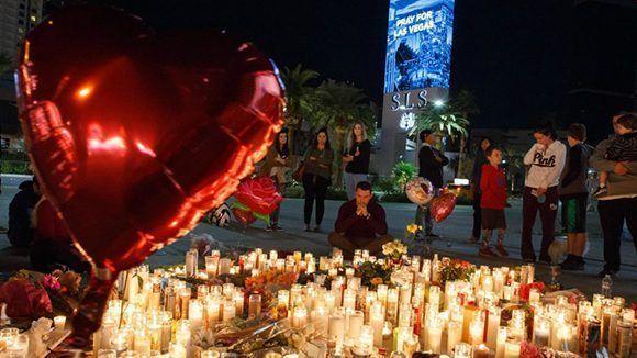 Homenaje a víctimas de la matanza en Las Vegas. Foto: EFE.