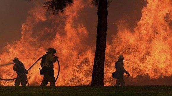 Los incendios forestales son comunes en el oeste de Estados Unidos durante la estación de sequía en los meses más calientes.