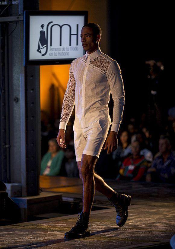 Semana de la Moda en la Habana, coleccion del diseñador Mario Freixas. Foto: Ismael Francisco/ Cubadebate.