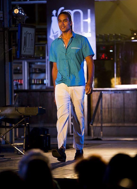 Semana de la Moda en la Habana, colección del diseñador Yunior Hierro Leyva. Foto: Ismael Francisco/ Cubadebate.