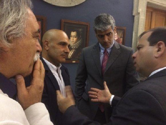 El presidente del ICAP, Fernando González, fue recibido por el alcalde de Marino. Foto: Asociación Nacional de Amistad Italia-Cuba.