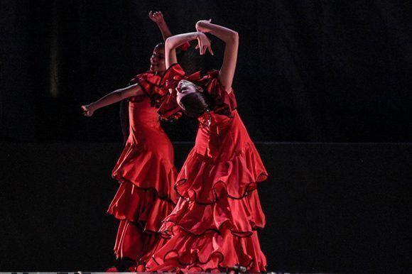 """""""Majestuoso"""", dicen en Monterrey, de Lizt Alfonso Dance Cuba. Foto: Cortesía de LADC."""