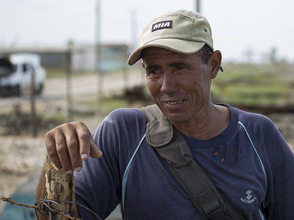 Luis Liván, jefe de la base de pesca de Nazábal. Foto: Irene Pérez/ Cubadebate.