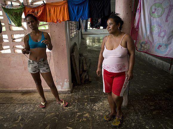 En el Círculo Social Emilio Córdova permanecen 14 personas evacuadas. Foto: Irene Pérez / Cubadebate
