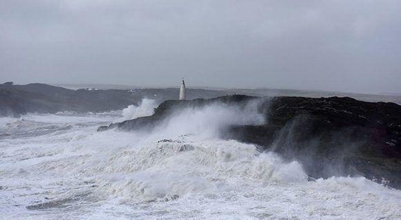 No se tenía registro de ninguna tormenta tropical que avanzara tan al noreste. Foto: Irish Times.