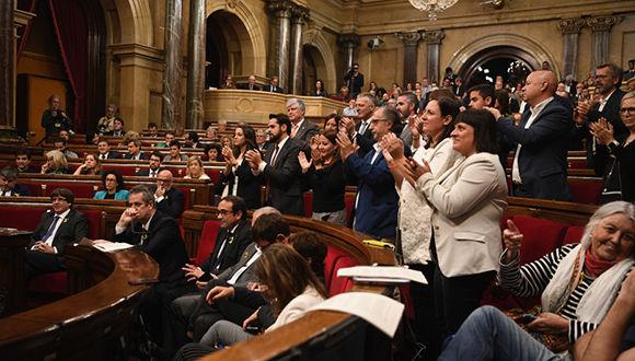 Parlamentarios catalanes votaron para formar la República Catalana como un estado independiente y soberano. Foto: David Ramos / Getty Images