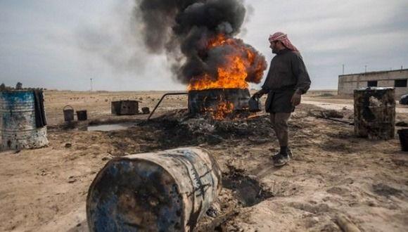 El petróleo sirio se convirtió en una importante fuente de ingresos para los grupos terroristas. Foto: AFP.